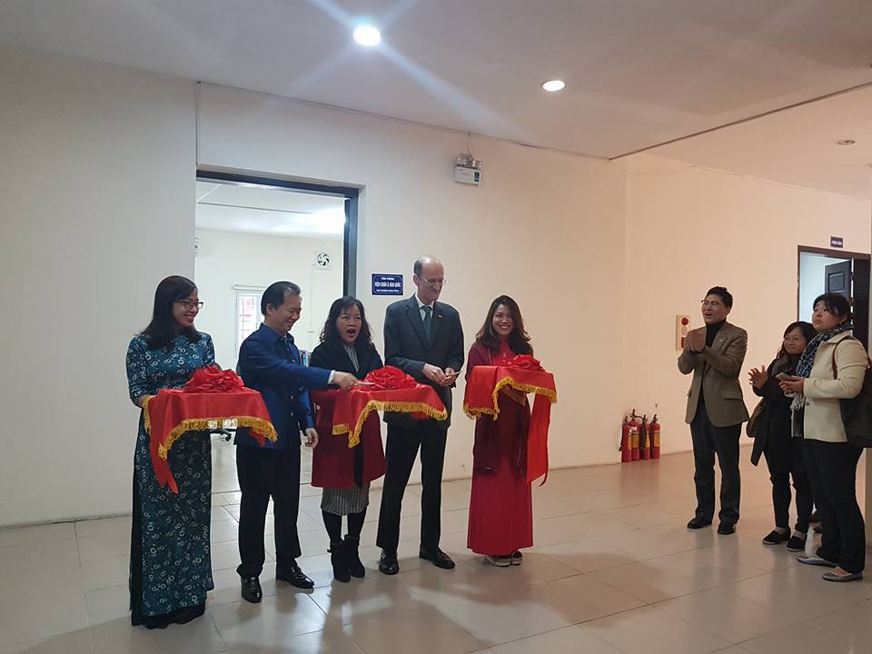Ribbon cutting for Asia Institute Hanoi office.